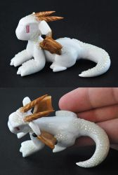 White Glitter Scaled Dragon by HowManyDragons