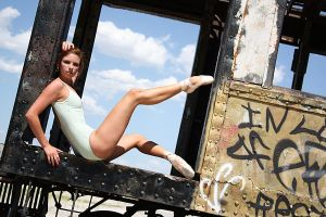 Dancer on a Train II by HowNowVihao
