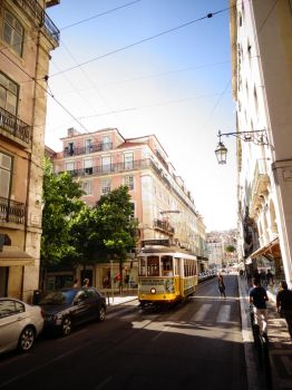 Streets of Lisbon by ralfisch