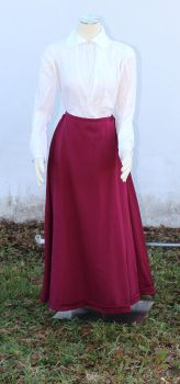 Elizabethan linen/cotton shirt and petticoat by CenturiesSewing