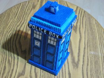Dr. Who's TARDIS by Ritalabella
