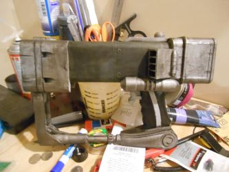Fallout AEP7 Laser Pistol 5 by Selvagem76