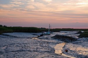 Sunset over Blakeney by parallel-pam