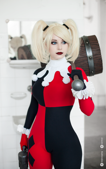 Harley Quinn cosplay I. by EnjiNight