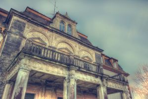 Old Manor IV by CrawlingGirl