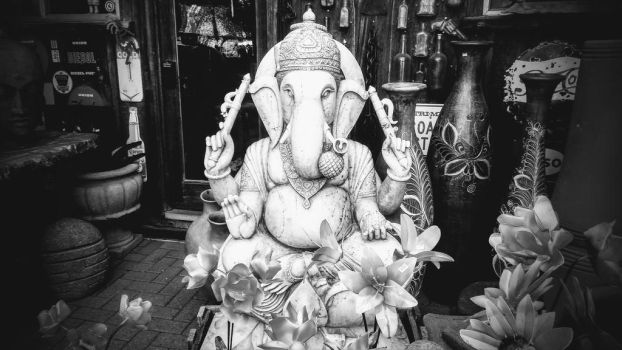 Ganesha by becoming-glamour