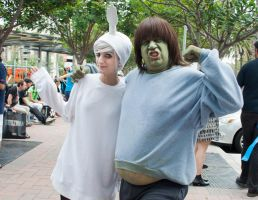 High Five Ghost and MuscleMan by EriTesPhoto
