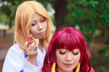 Su Won Gives Yona Hair Stick [Cosplay] by firecloak