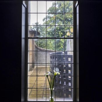 Moody window by sequential