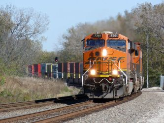 Railfan Trip: 10-19-17: Another Curve Shot by lonewolf3878