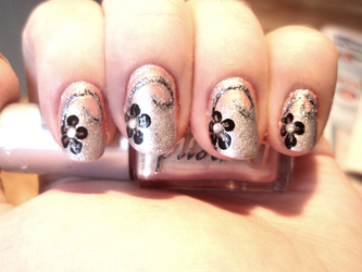 Flower Nails by NnNiLe