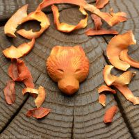 Bear | Avocado pit carving by anguana