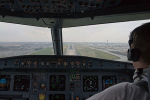 Final approach at Heathrow by Scuzi