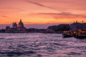 Colorful sunset at Venice by LinsenSchuss