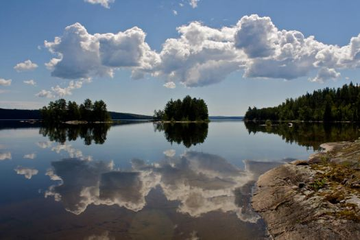 Reflections 2 by lars-bath