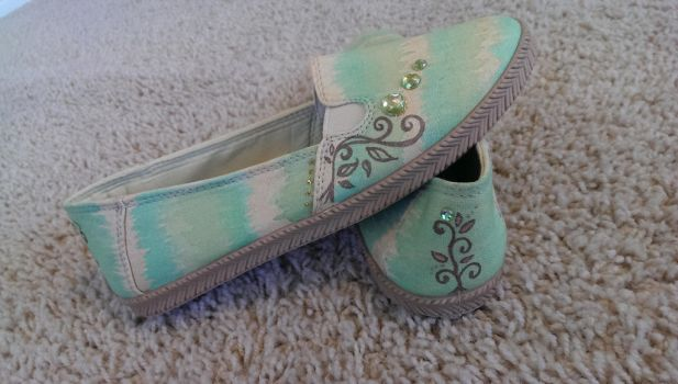 Green and Gold Tie Dye floral Shoes by Elvarinya