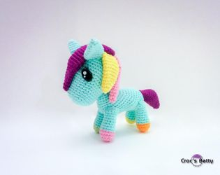 Dacodac the pony by Crocsbetty