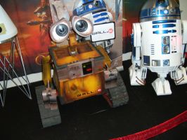 Wall-E and R2-D2 by EgonEagle