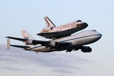 Discovery's Final Fly-over by OpticaLLightspeed