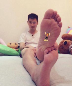 Tired Feet by tinyguy63