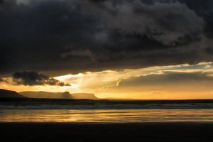 ROSSNOWLAGH   BEACH by medinka