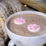 Cute cat paws marshmallow by Pokakulka