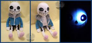 Sans Plush - Undertale - with light and sound by ArtesaniasIris