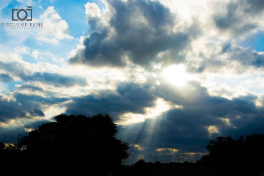 SKy rays by PixelsofFame