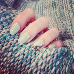 mint green by dearie