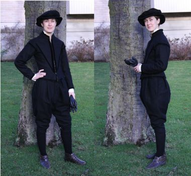 Black doublet and Venetian hose by PetStudent