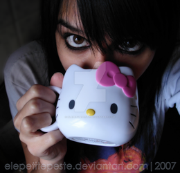 Kitty Cup by ElePetitePeste