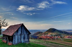 Abandoned wooden house by Swen11