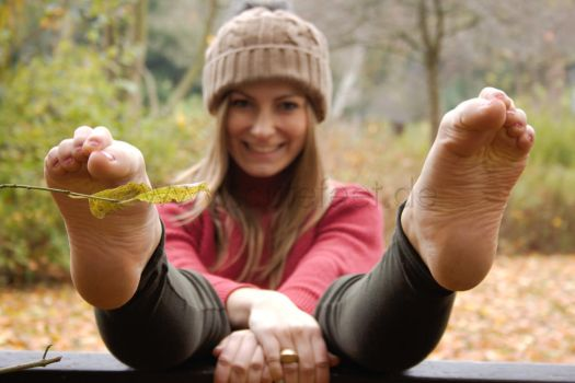 The joy of autumn - Feet are fun by foot-portrait