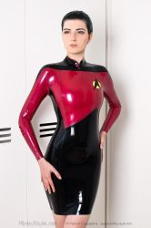 Captain Scarlet by kinkystyle
