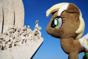 Unity at Monument of Discoveries, Lisbon by Cabraloca
