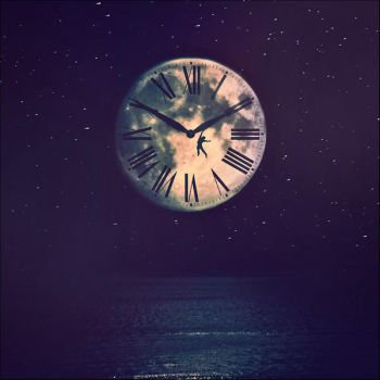 Moonclock by iNeedChemicalX