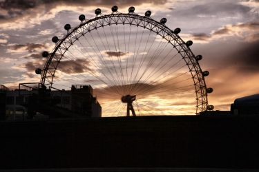 Southbank III HDR by d3lf