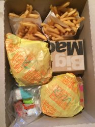 I'm trying the McDonald's dinner box by Callewis2