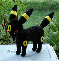 Umbreon Plush by W0IfDreamer