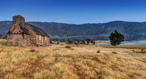 Settlers Cottage by MarkLucey