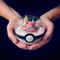 Vintage Christmas Jigglypuff - Poke Ball Terrium by TheVintageRealm