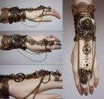 Spiked gears cuff by Pinkabsinthe
