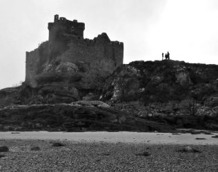 Castle Tioram by aiteal