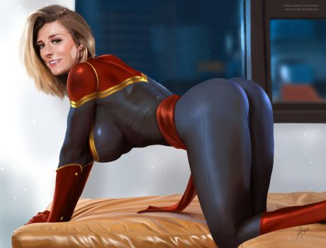 Captain Marvel in position by arion69