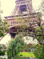 Eiffel Tower, the nice part by ireene91