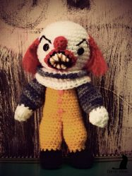 pennywise amigurumi by fayettedream