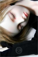 MyDoll : I need your shoulders by tr3is