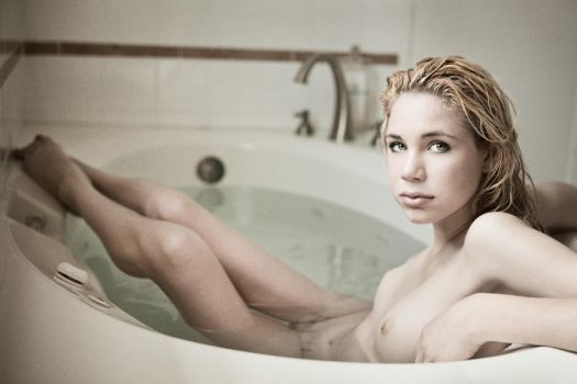 In the Tub by PerryGallagher
