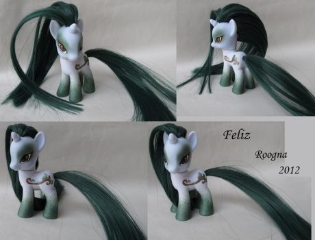 Felize by Roogna