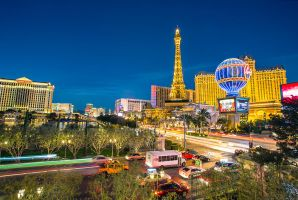 Las Vegas - Paris by Torsten-Hufsky